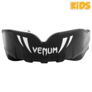 Капа VENUM CHALLENGER KIDS MOUTHGUARD BLACK/WHITE